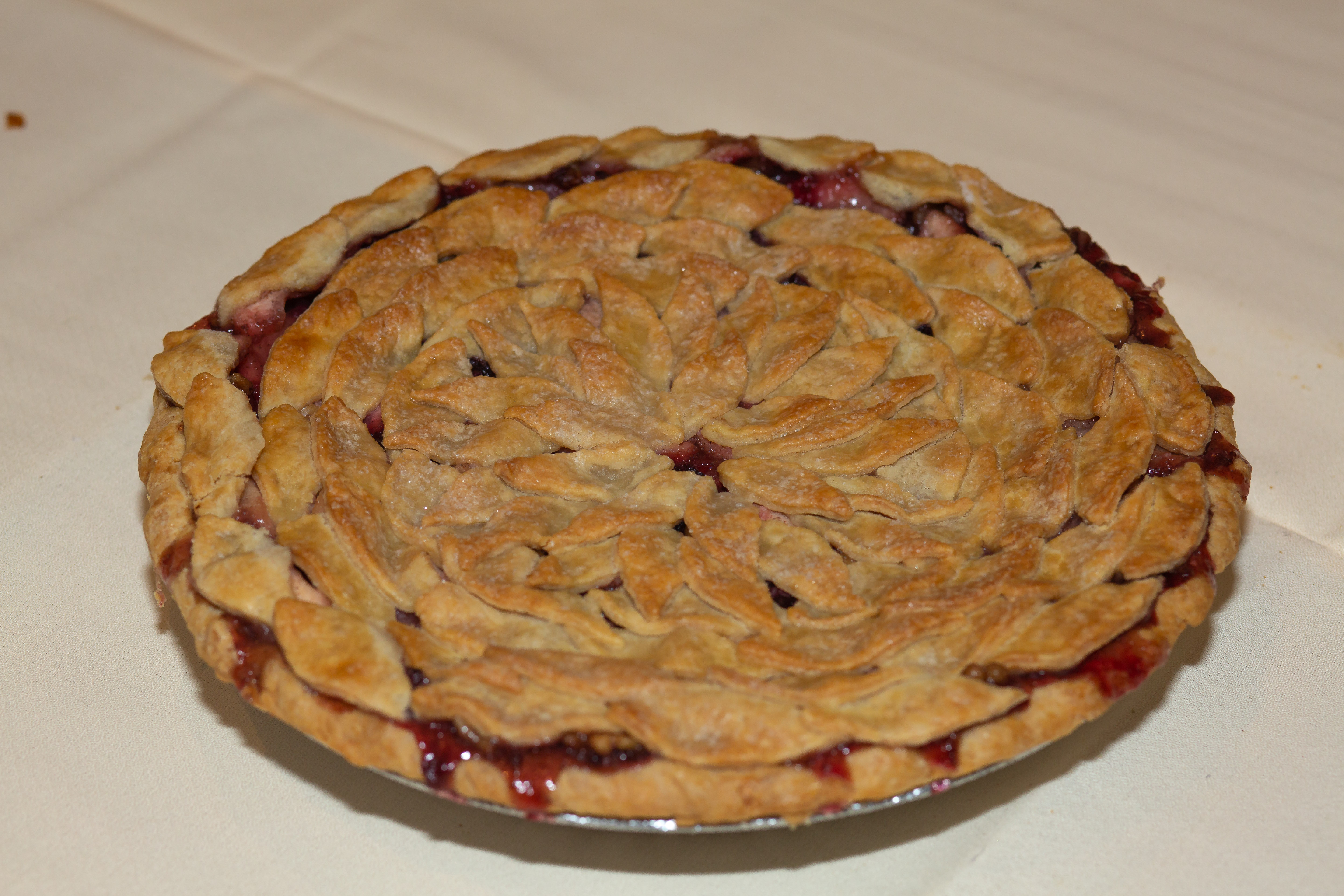 2019 1st Place Amateur Double Crust Girl Power Apple Blackberry Walnut, Rebekah Noble, Alexandria, IN
